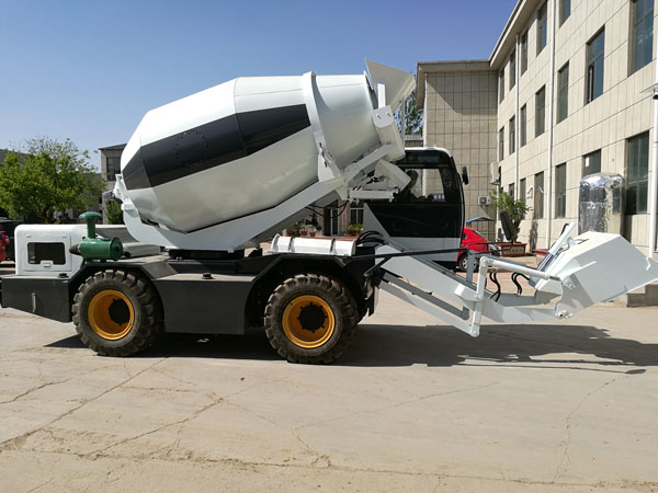 concrete mixer self loading